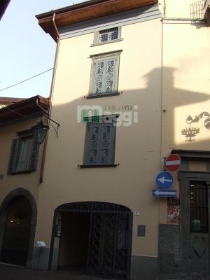 Appartamento in Vendita a Clusone: 2 locali, 57 mq