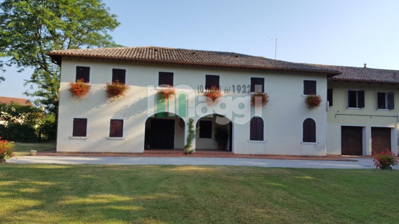 Casa indipendente in Vendita a Treviso: 5 locali, 300 mq