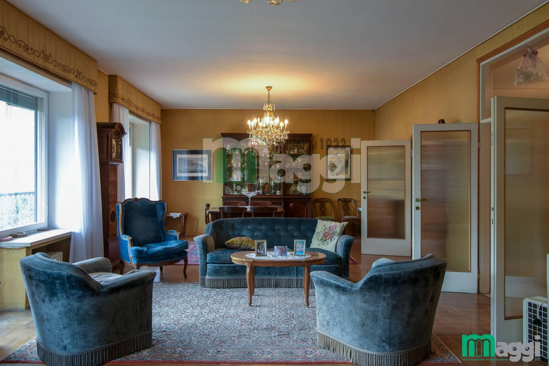 Appartamento in Vendita a Milano 12 Argonne / Indipendenza / Ascoli: 5 locali, 213 mq