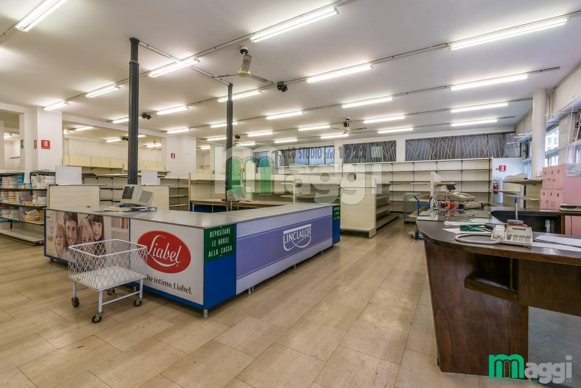 Laboratorio in Affitto a Milano:  1 locali, 850 mq  - Foto 1