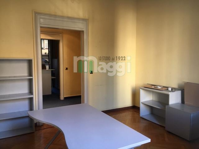 Ufficio-studio in Affitto a Milano: 5 locali, 140 mq
