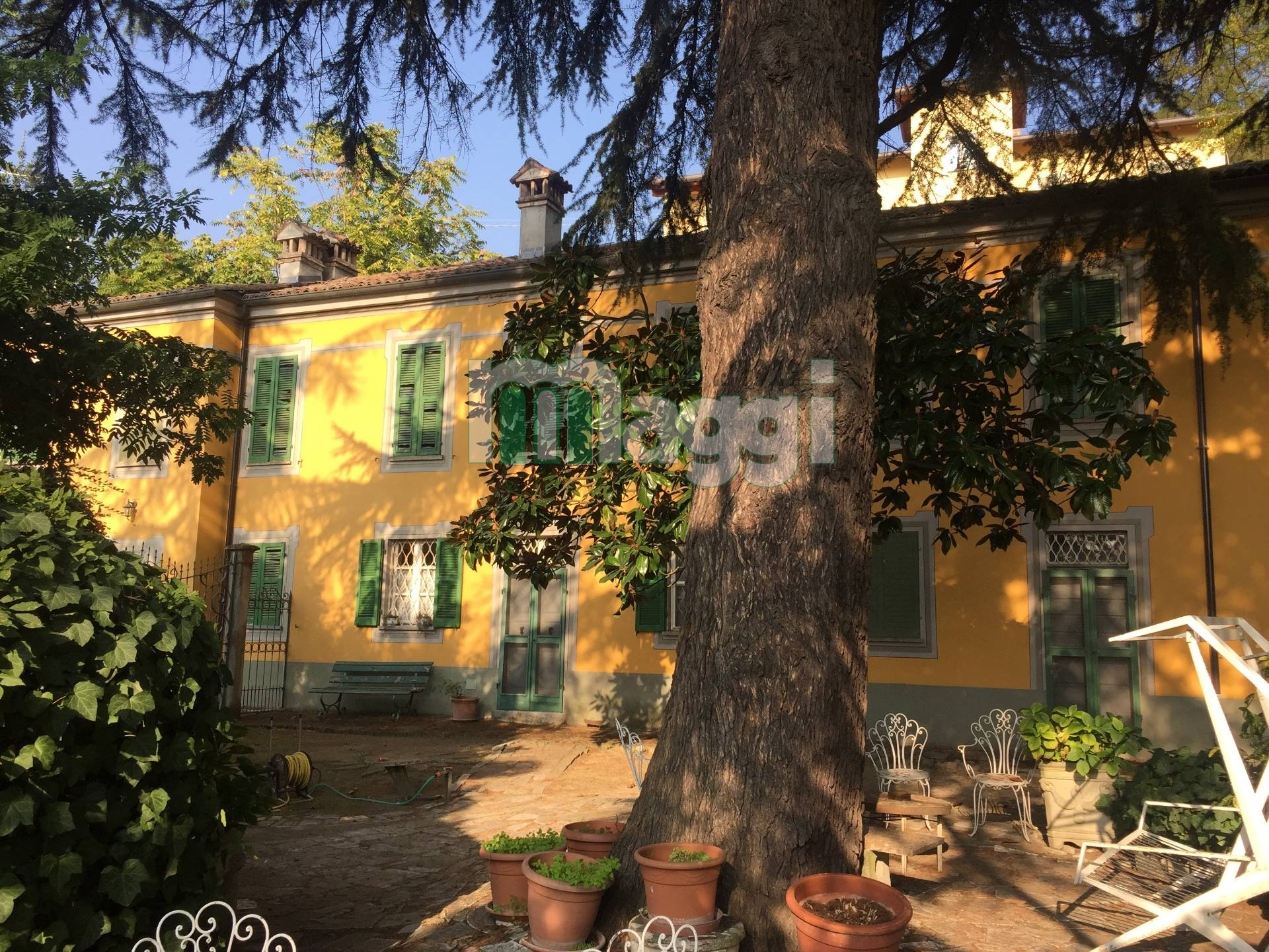 Casa indipendente in Vendita a Tortona: 5 locali, 250 mq