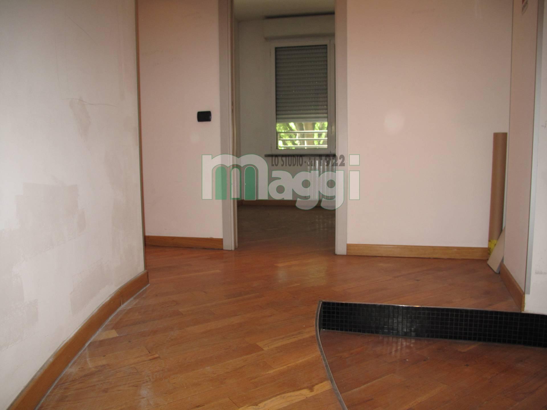 Ufficio-studio in Affitto a Milano 14 Tibaldi / Cermenate / Antonini / Ortles / Bonomelli: 5 locali, 200 mq
