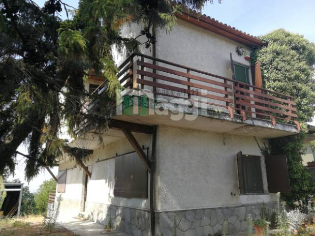 Villa in Vendita a Tortona: 5 locali, 200 mq