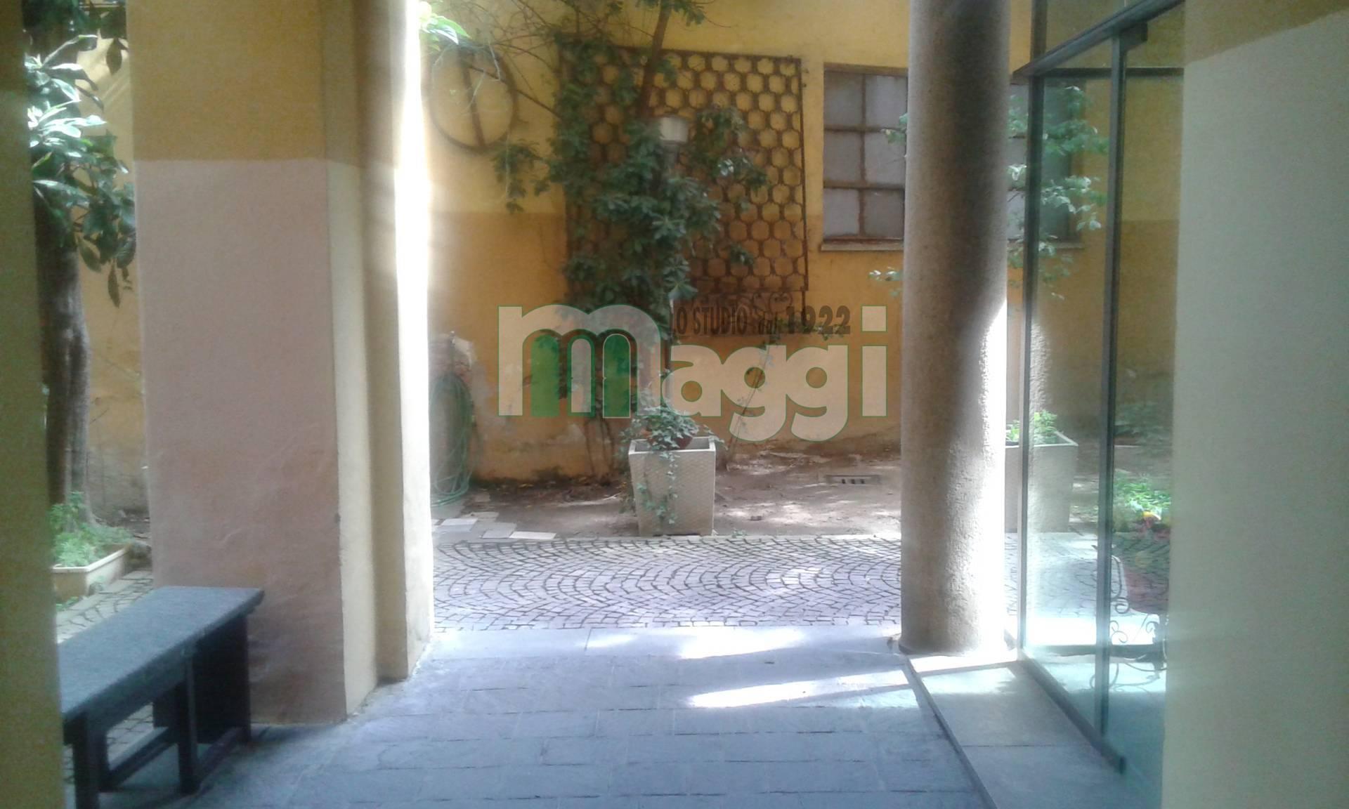 Negozio-locale in Affitto a Milano 02 Brera / Volta / Repubblica: 1 locali, 230 mq