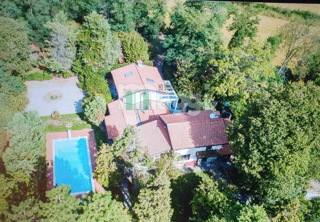Villa in Vendita a Vigevano: 5 locali, 400 mq