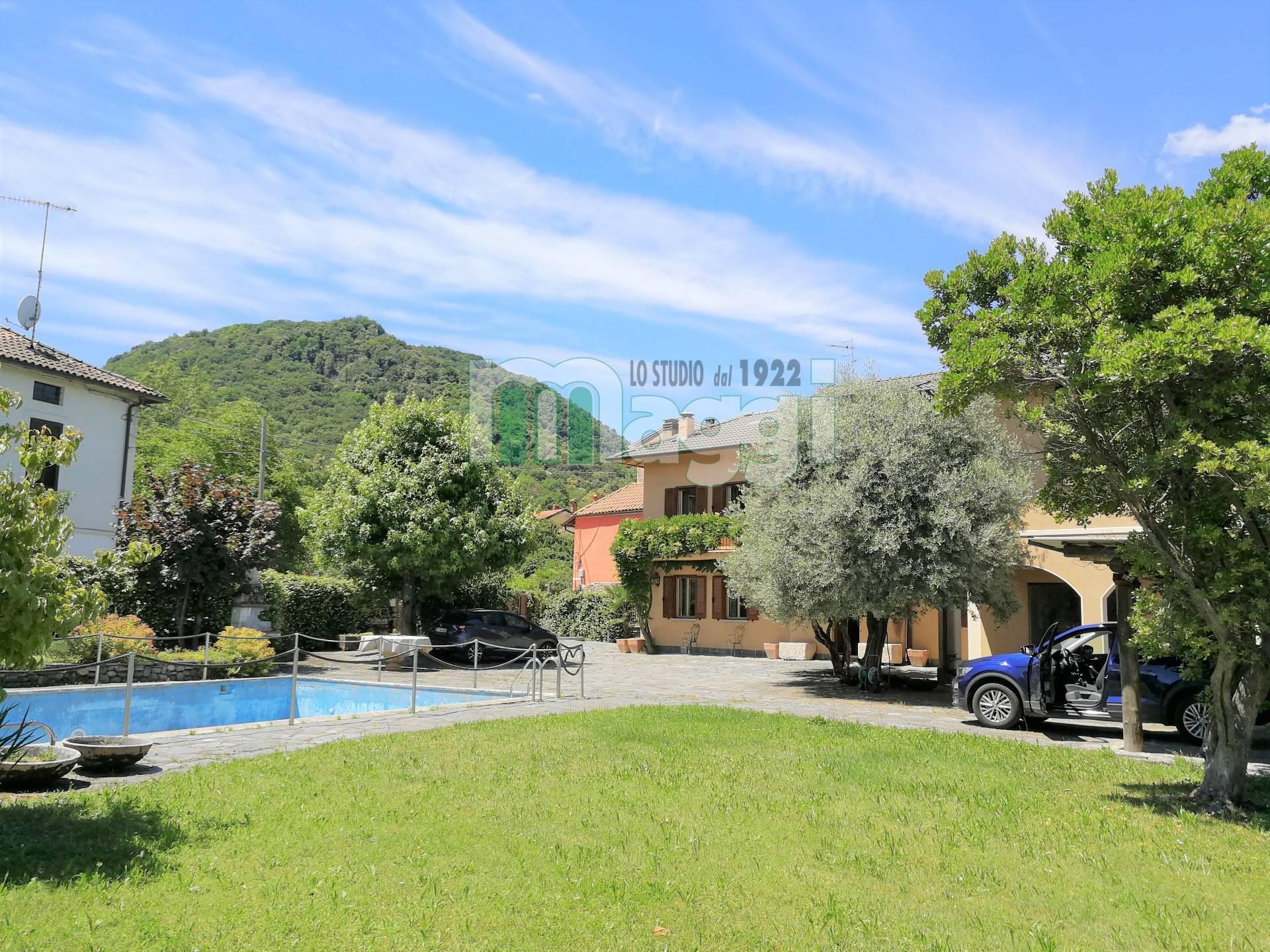 Villa in Vendita a Brusimpiano: 5 locali, 475 mq
