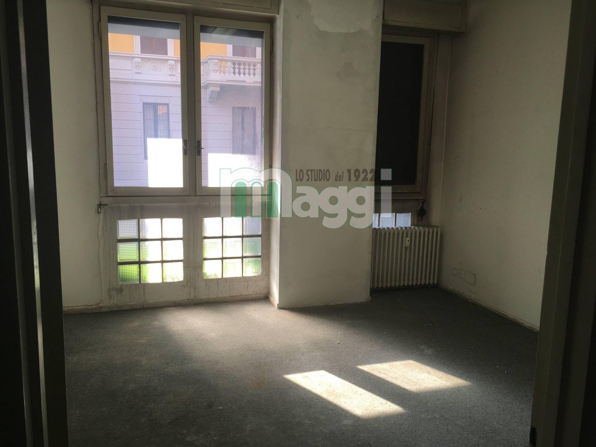 Ufficio-studio in Affitto a Milano 13 Marcona / Montenero / Umbria / Lomellina: 5 locali, 170 mq
