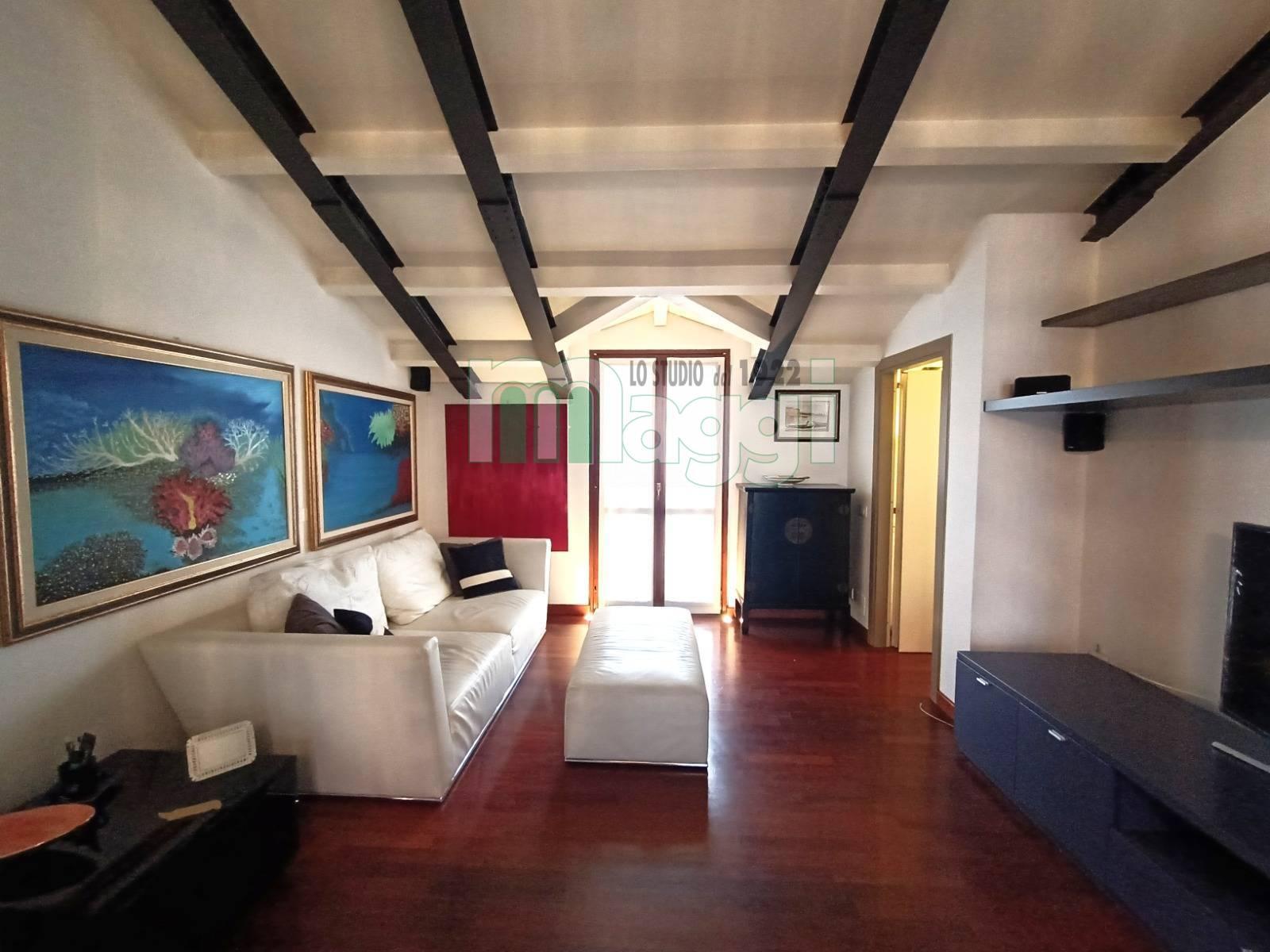 Attico in Affitto a Milano: 2 locali, 60 mq