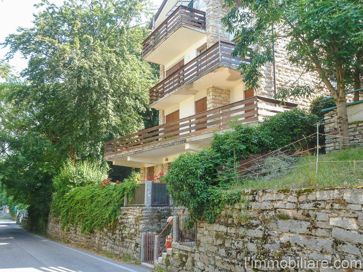 Appartamento in Vendita a Bosco Chiesanuova: 4 locali, 115 mq