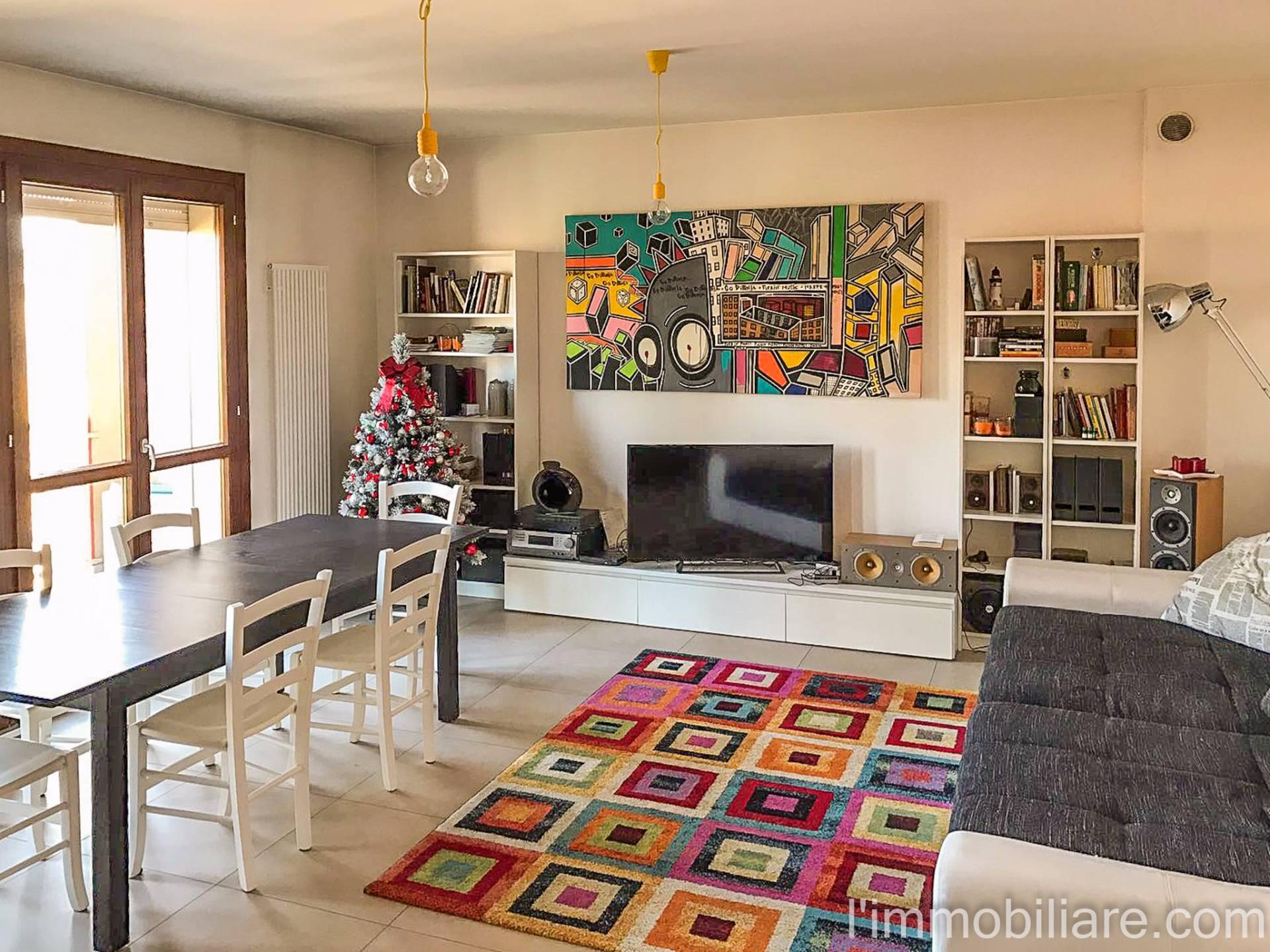 Appartamento in Vendita a Verona Periferia Ovest: 3 locali, 100 mq