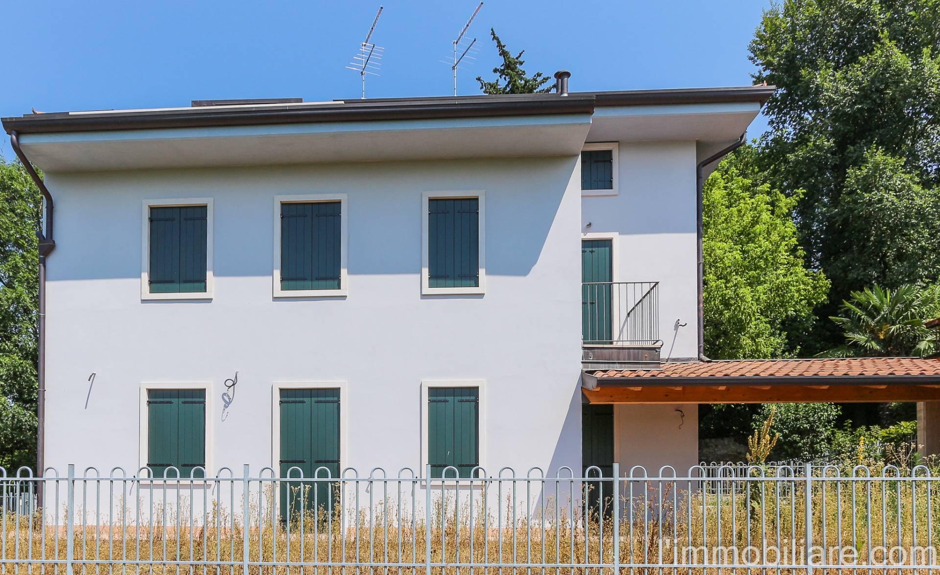 Appartamento in Vendita a San Pietro In Cariano Periferia: 5 locali, 140 mq