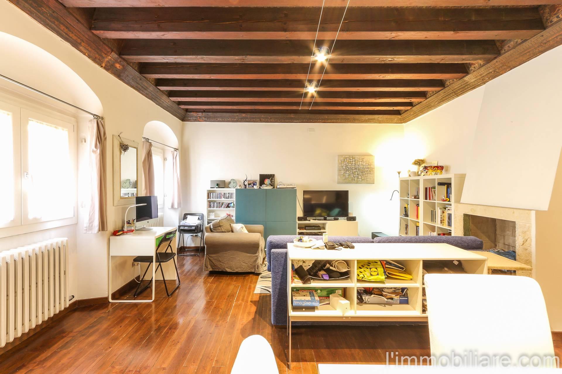 Appartamento in Vendita a Verona Centro: 4 locali, 102 mq