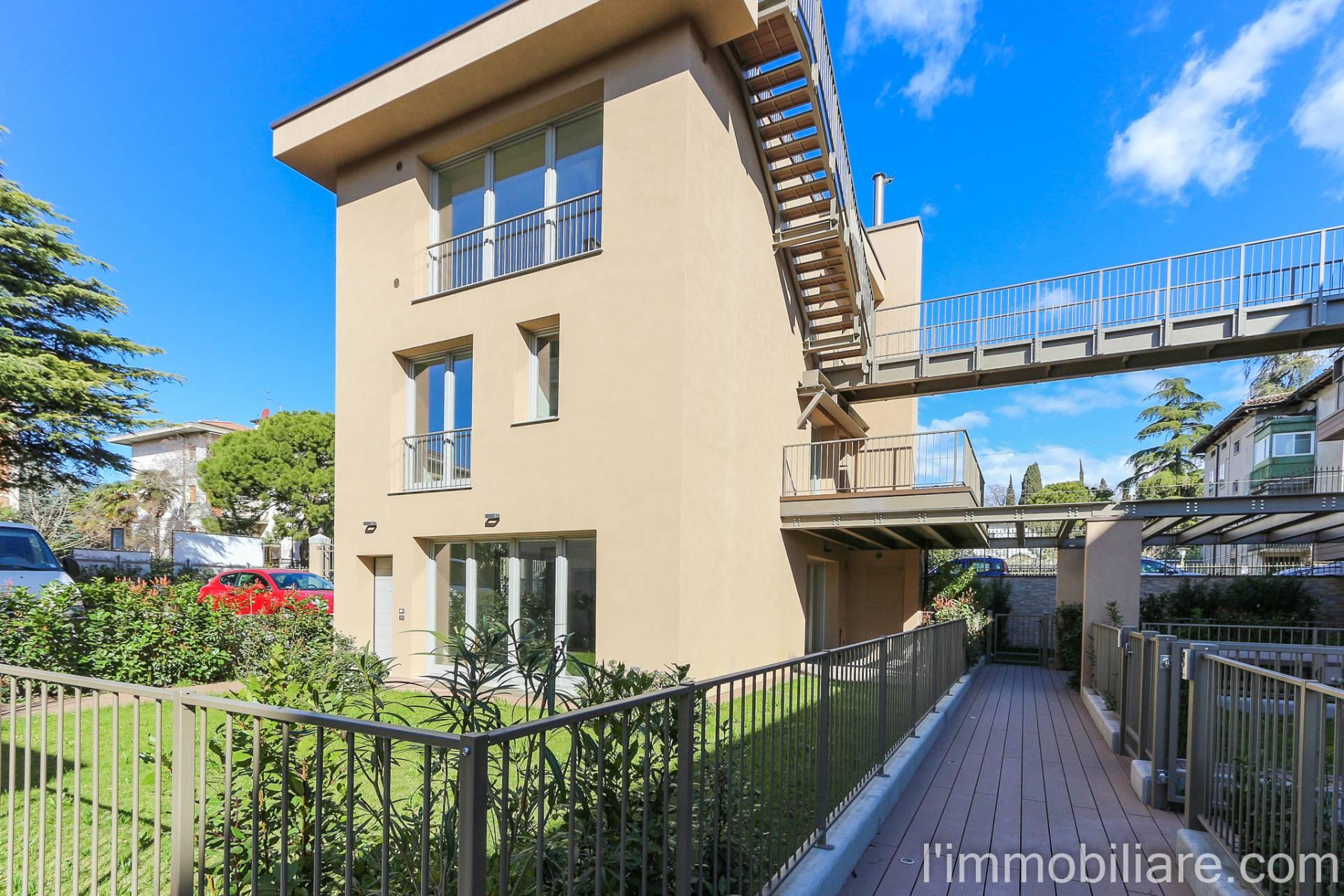 Villa in Vendita a Verona Semicentro Nord: 5 locali, 192 mq