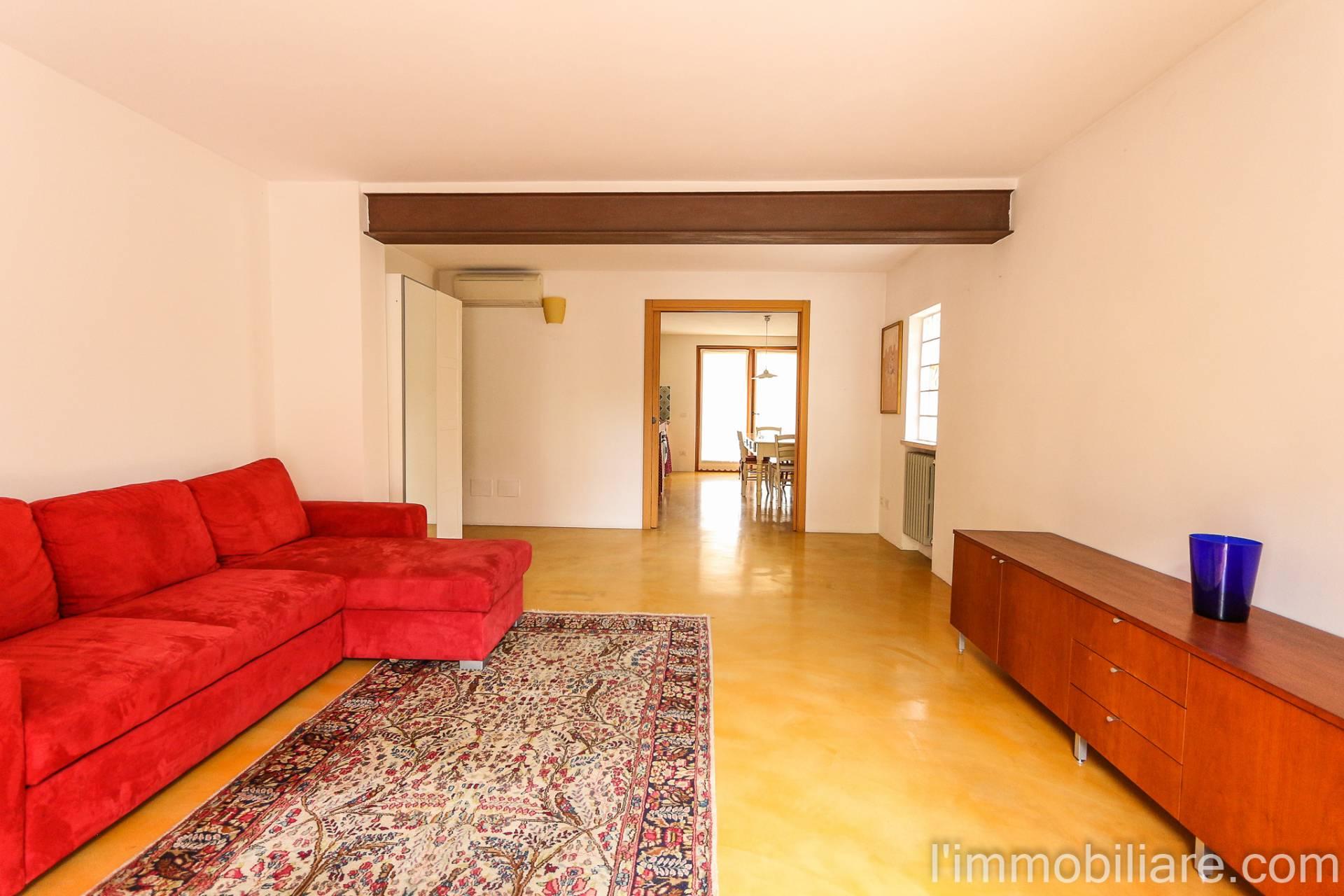 Appartamento in Affitto a Negrar Centro: 3 locali, 65 mq