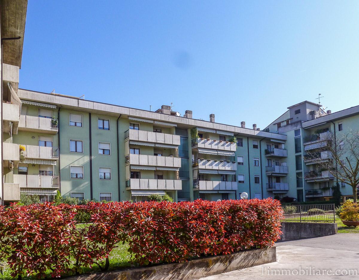 Appartamento in Affitto a Verona Semicentro Nord: 5 locali, 90 mq