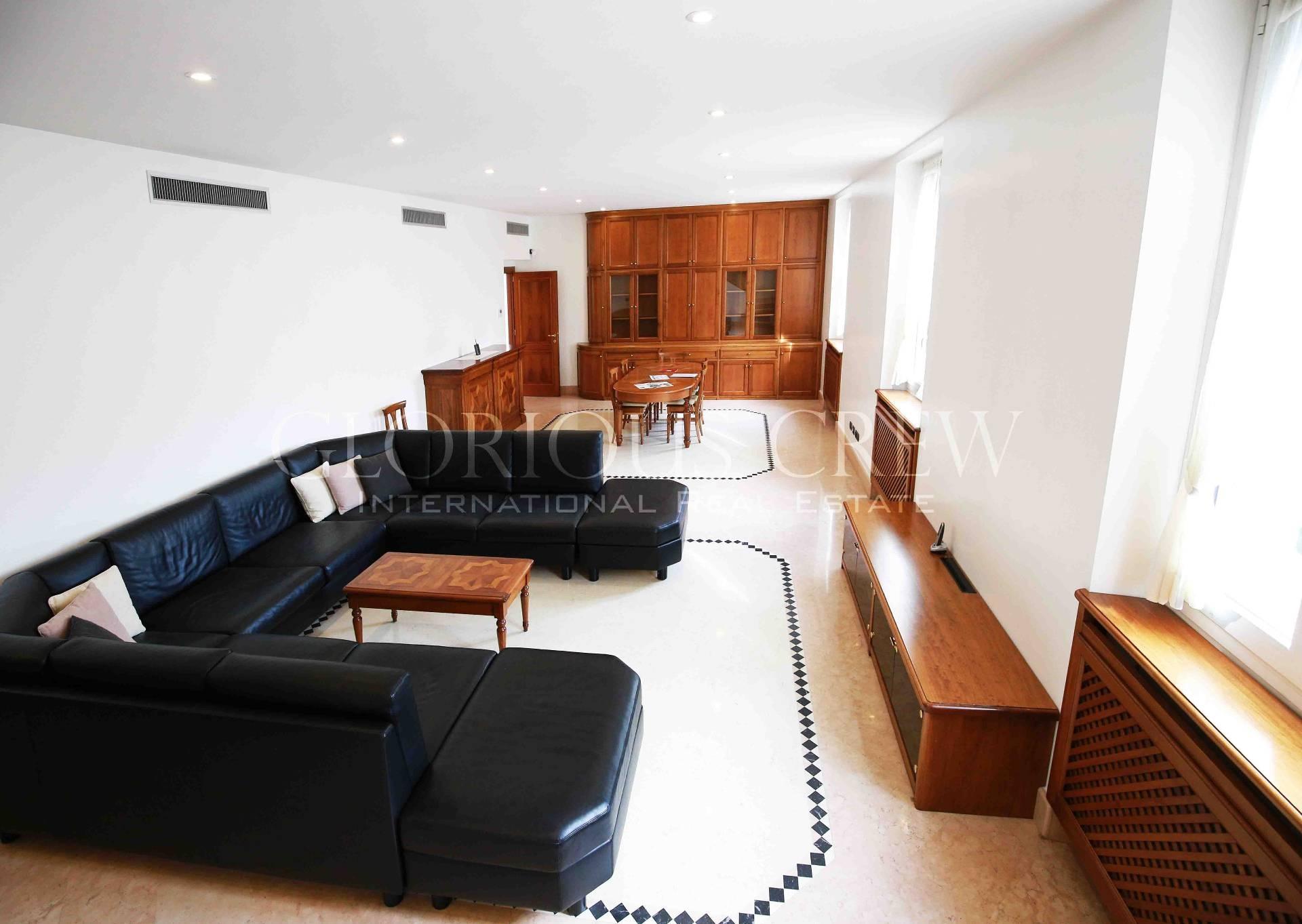 Appartamento in Vendita a Milano 01 Centro storico (Cerchia dei Navigli): 5 locali, 310 mq
