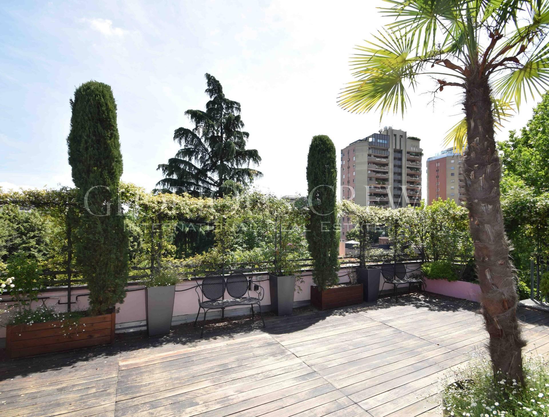 Appartamento in Affitto a Milano 18 Ippodromo / San Siro / Zavattari: 5 locali, 178 mq