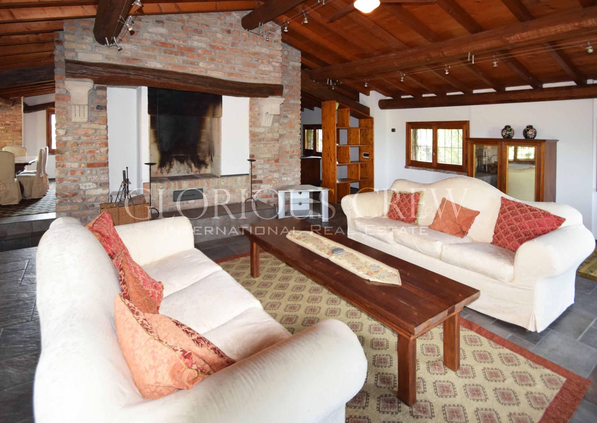 Villa in Affitto a Mediglia: 5 locali, 240 mq