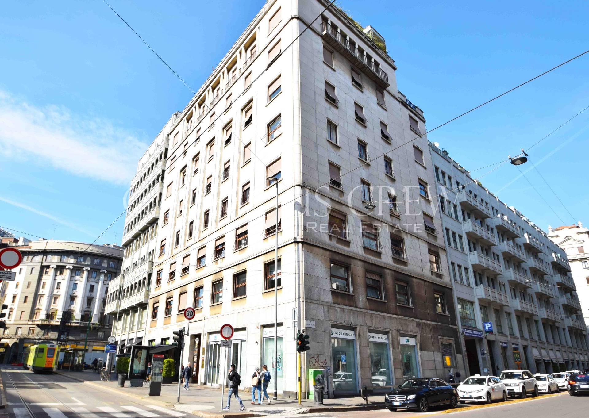 Ufficio-studio in Affitto a Milano 01 Centro storico (Cerchia dei Navigli): 5 locali, 186 mq