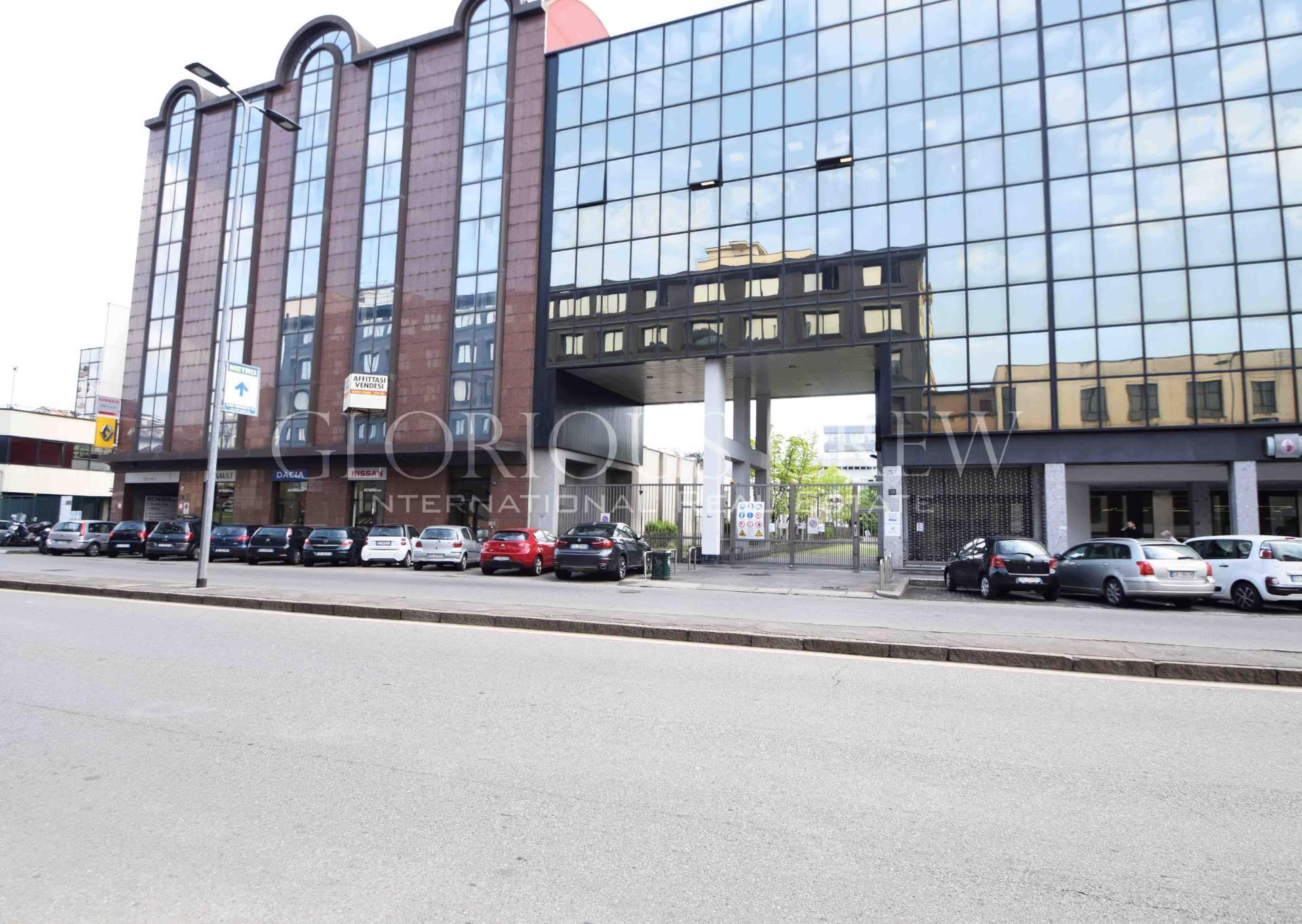 Ufficio-studio in Vendita a Milano 06 Italia / Porta Romana / Bocconi / Lodi: 1677 mq