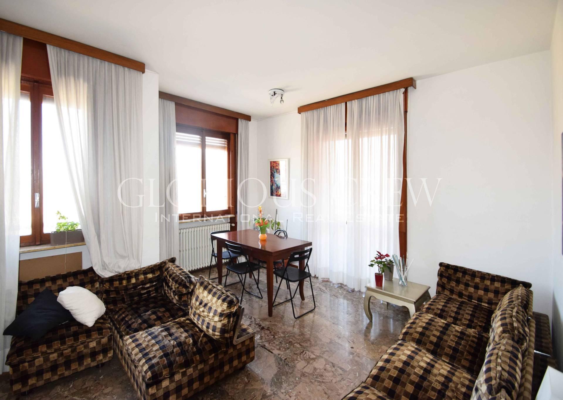 Appartamento in Vendita a Milano: 5 locali, 158 mq