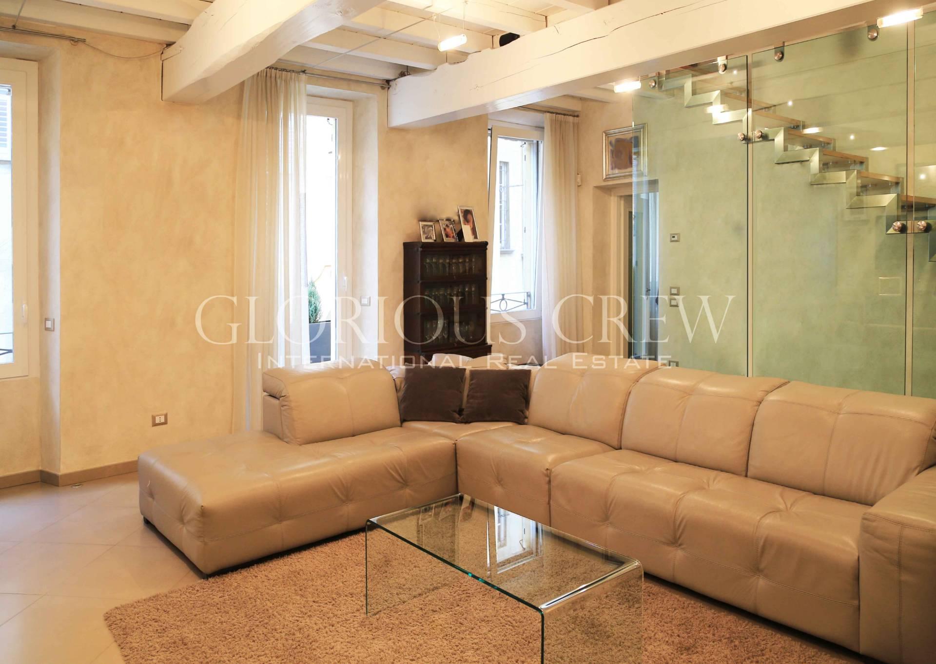 Palazzo in Affitto a Pavia Centro: 5 locali, 500 mq