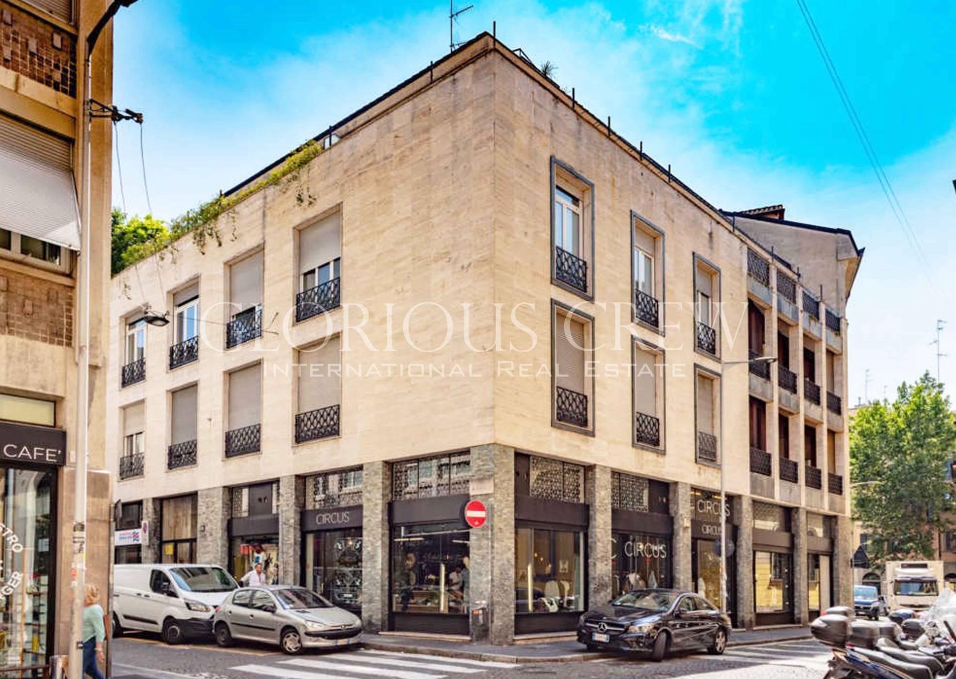 Negozio-locale in Affitto a Milano 01 Centro storico (Cerchia dei Navigli): 4 locali, 153 mq
