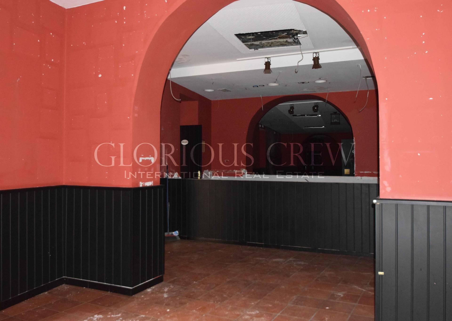 Negozio-locale in Affitto a Milano 07 Darsena /  Ticinese: 350 mq