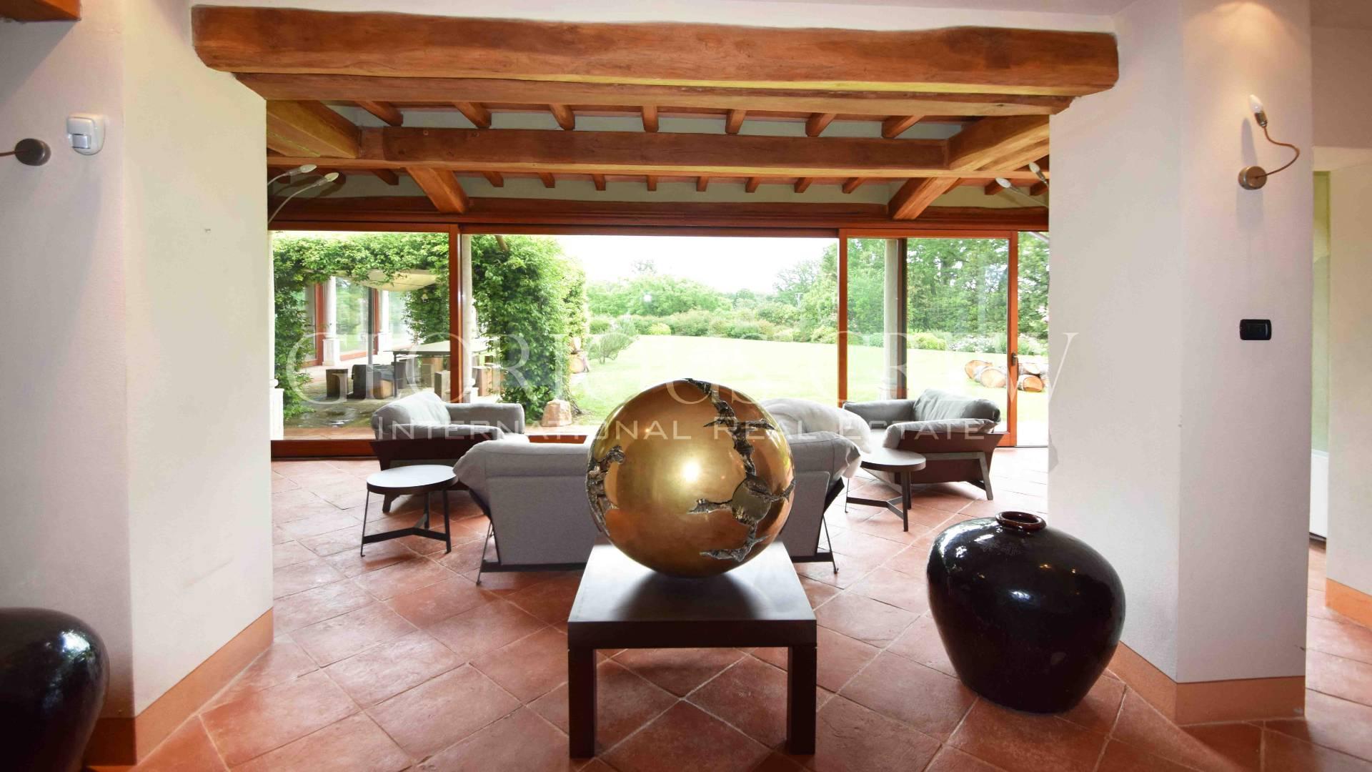 Villa in Vendita a Roma 36 Cassia / Olgiata: 5 locali, 1600 mq