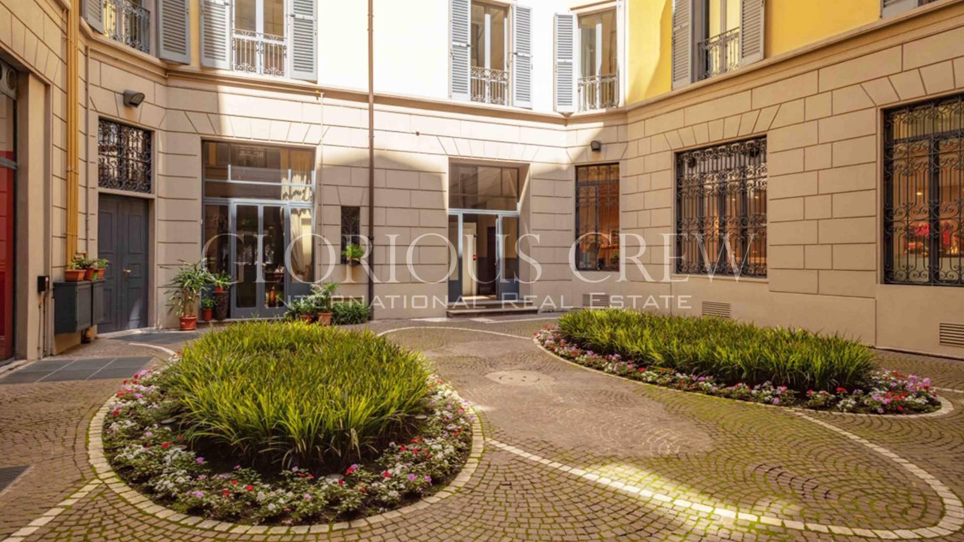 Ufficio-studio in Affitto a Milano 01 Centro storico (Cerchia dei Navigli): 5 locali, 304 mq