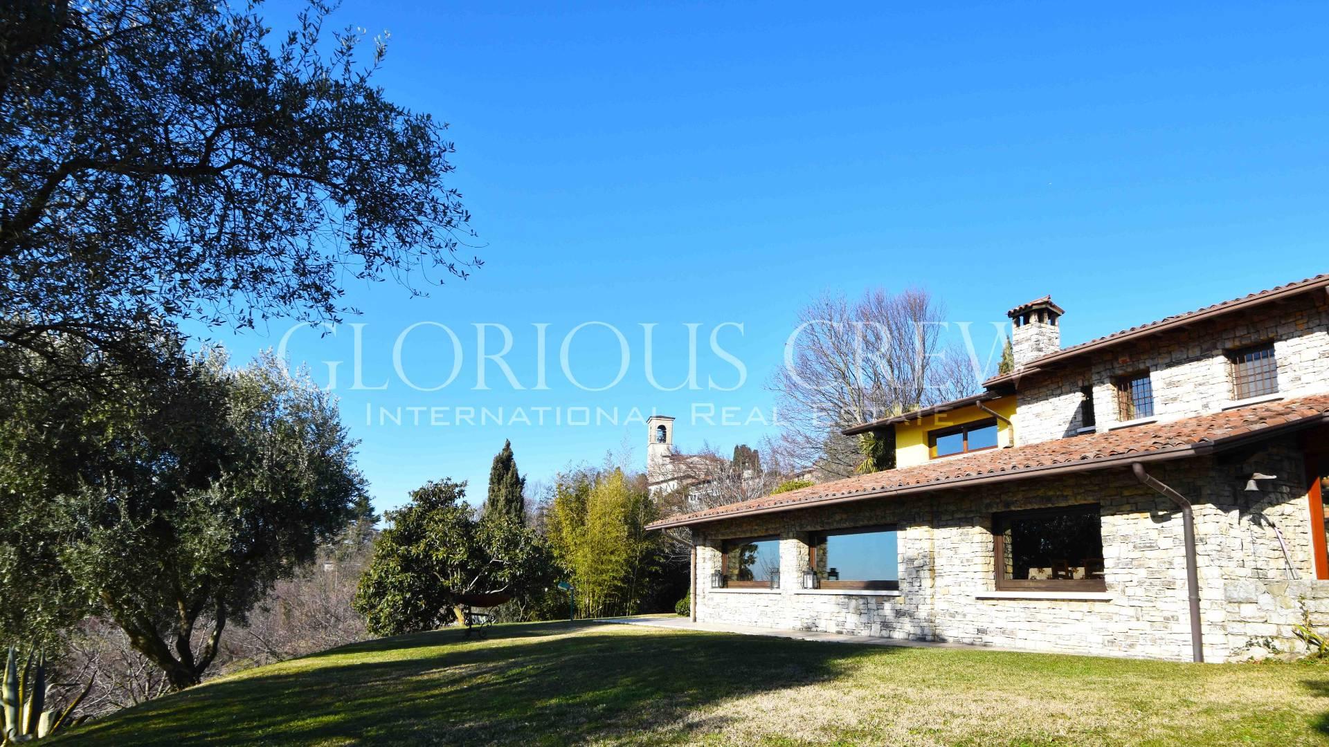 Villa in Vendita a Cellatica: 4 locali, 360 mq