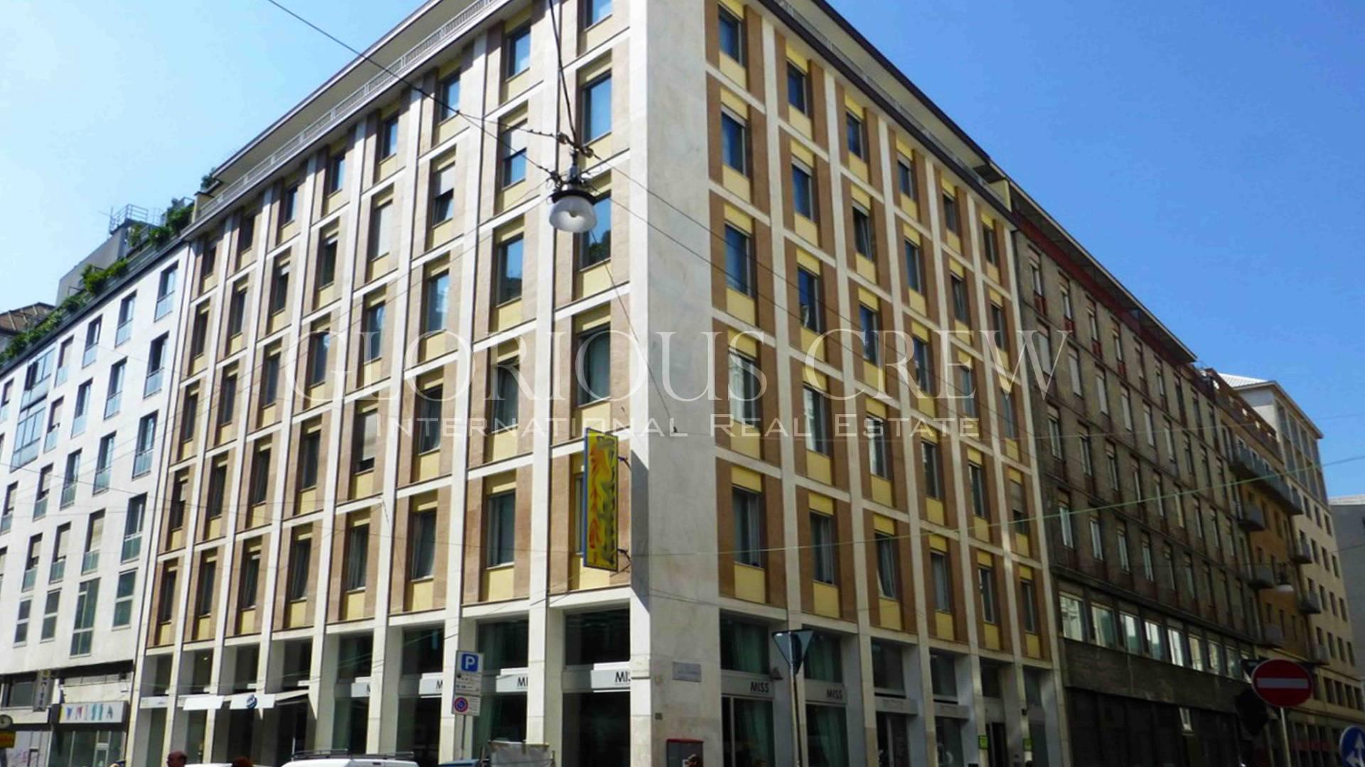 Negozio-locale in Affitto a Milano 01 Centro storico (Cerchia dei Navigli): 2 locali, 63 mq