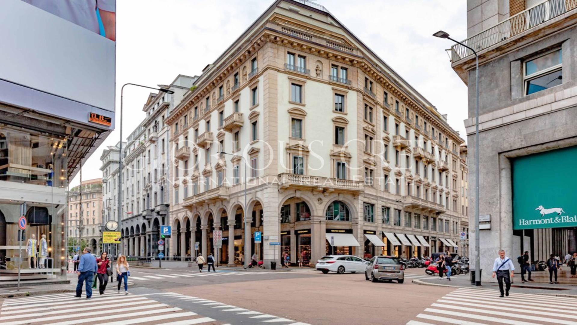 Negozio-locale in Affitto a Milano 01 Centro storico (Cerchia dei Navigli): 2 locali, 296 mq