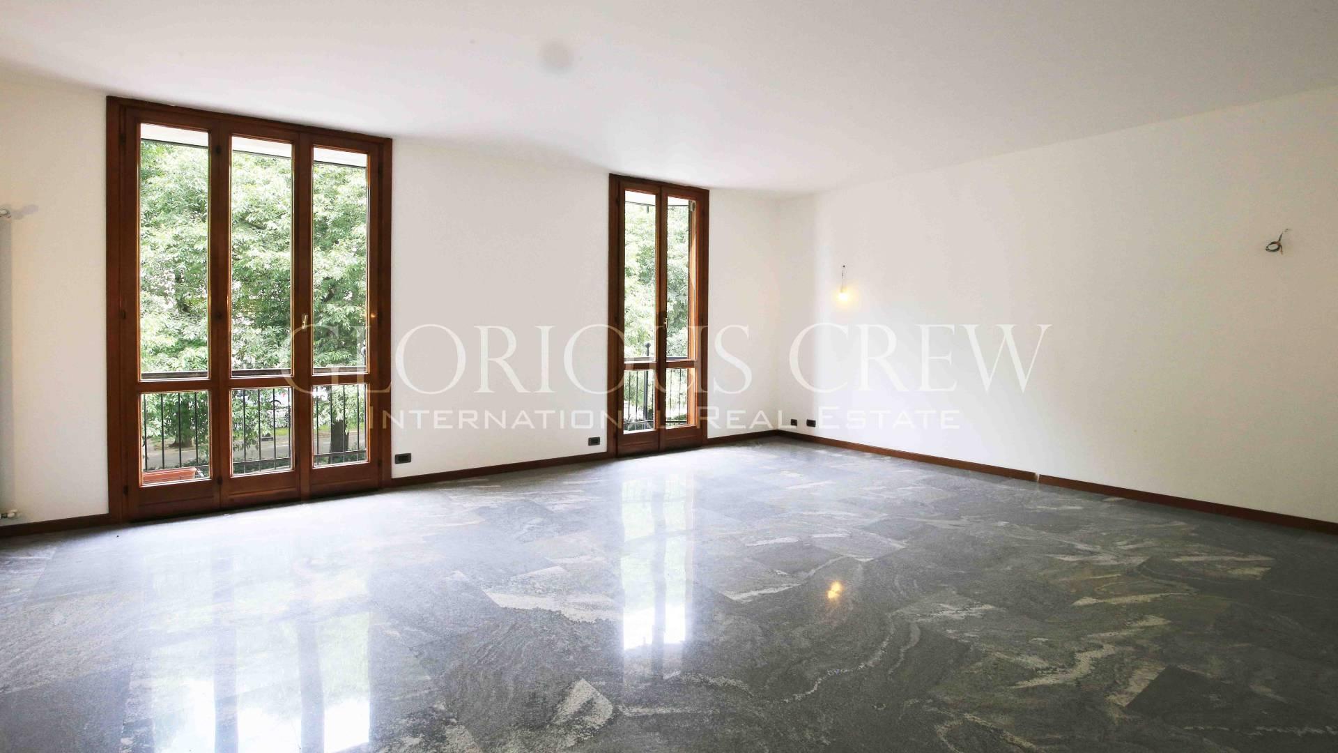 Appartamento in Vendita a Pavia Centro: 4 locali, 180 mq