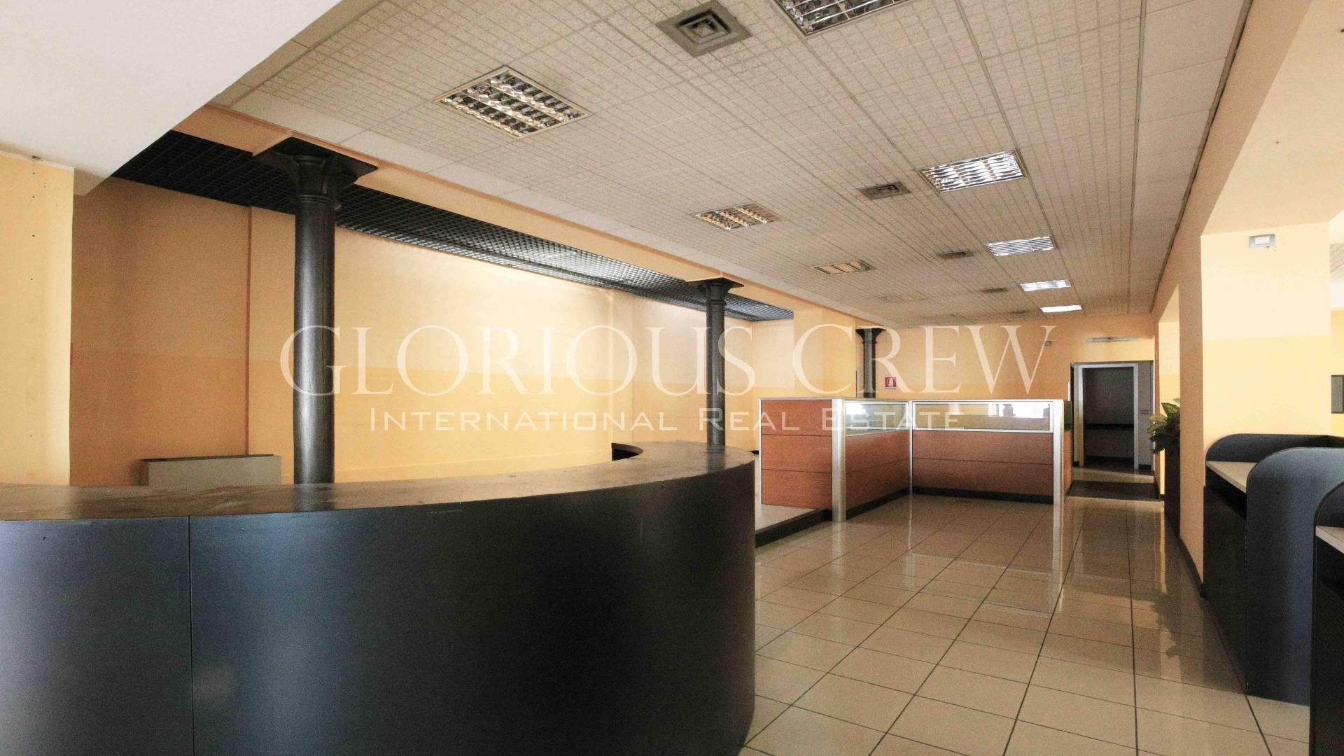 Ufficio-studio in Vendita a Pavia: 330 mq