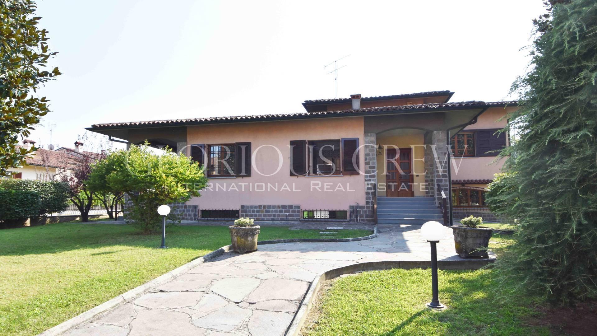 Villa in Vendita a San Colombano Al Lambro: 5 locali, 350 mq