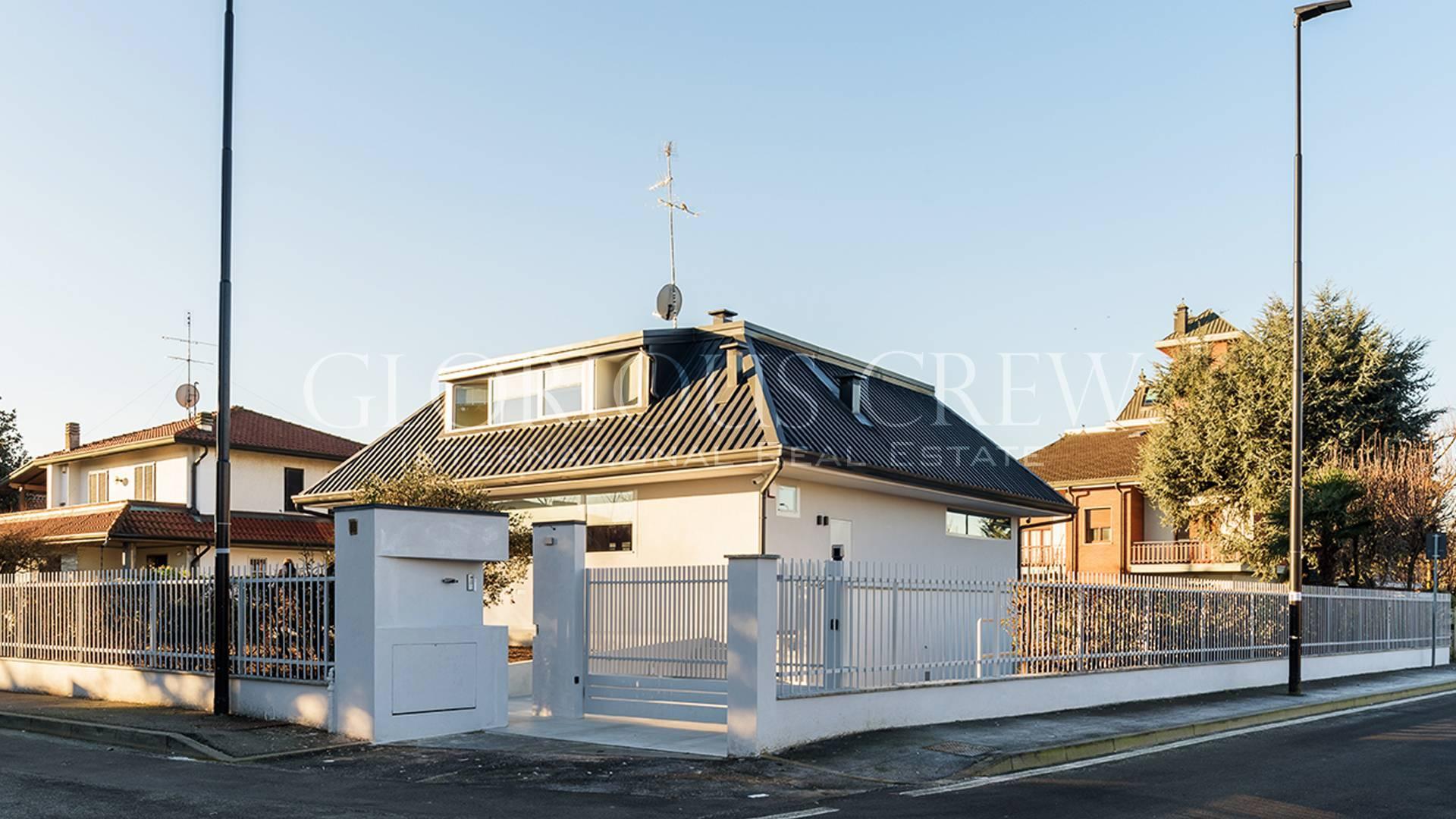 Villa in Vendita a Segrate: 5 locali, 300 mq - Foto 1
