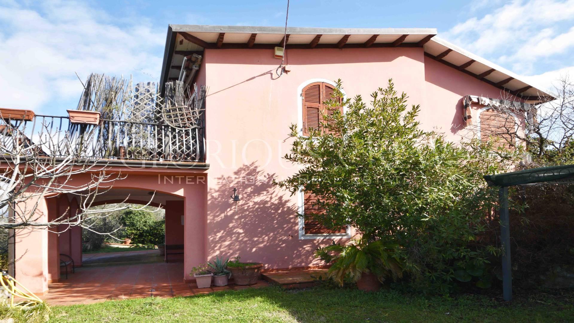 Villa in Vendita a Ameglia: 5 locali, 220 mq - Foto 1