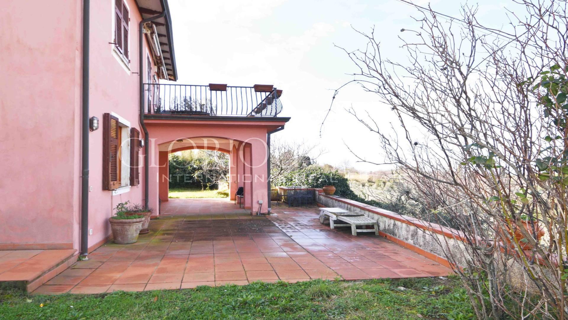 Villa in Vendita a Ameglia: 5 locali, 220 mq - Foto 2