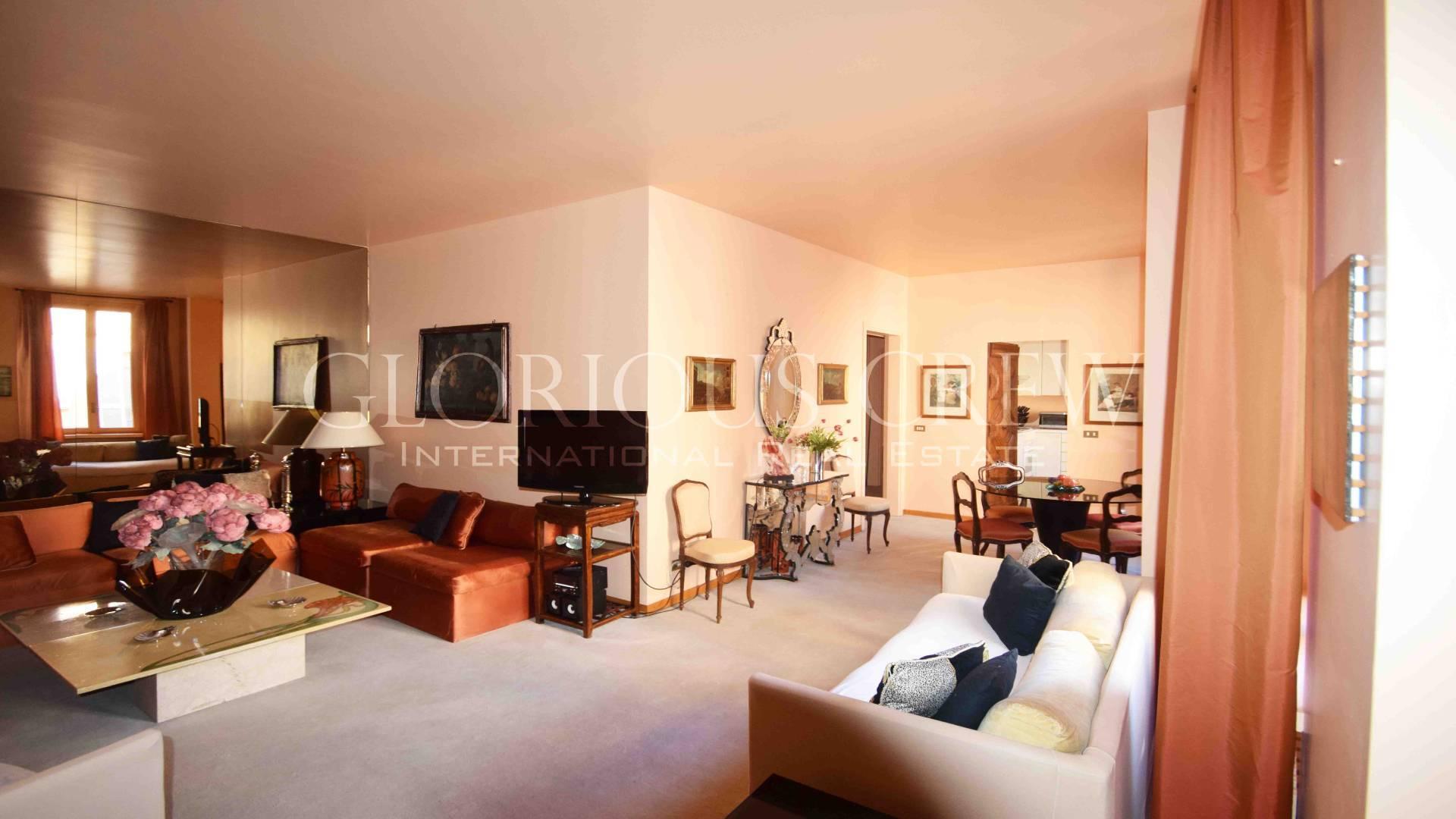 Appartamento in Vendita a Milano: 4 locali, 129 mq - Foto 2