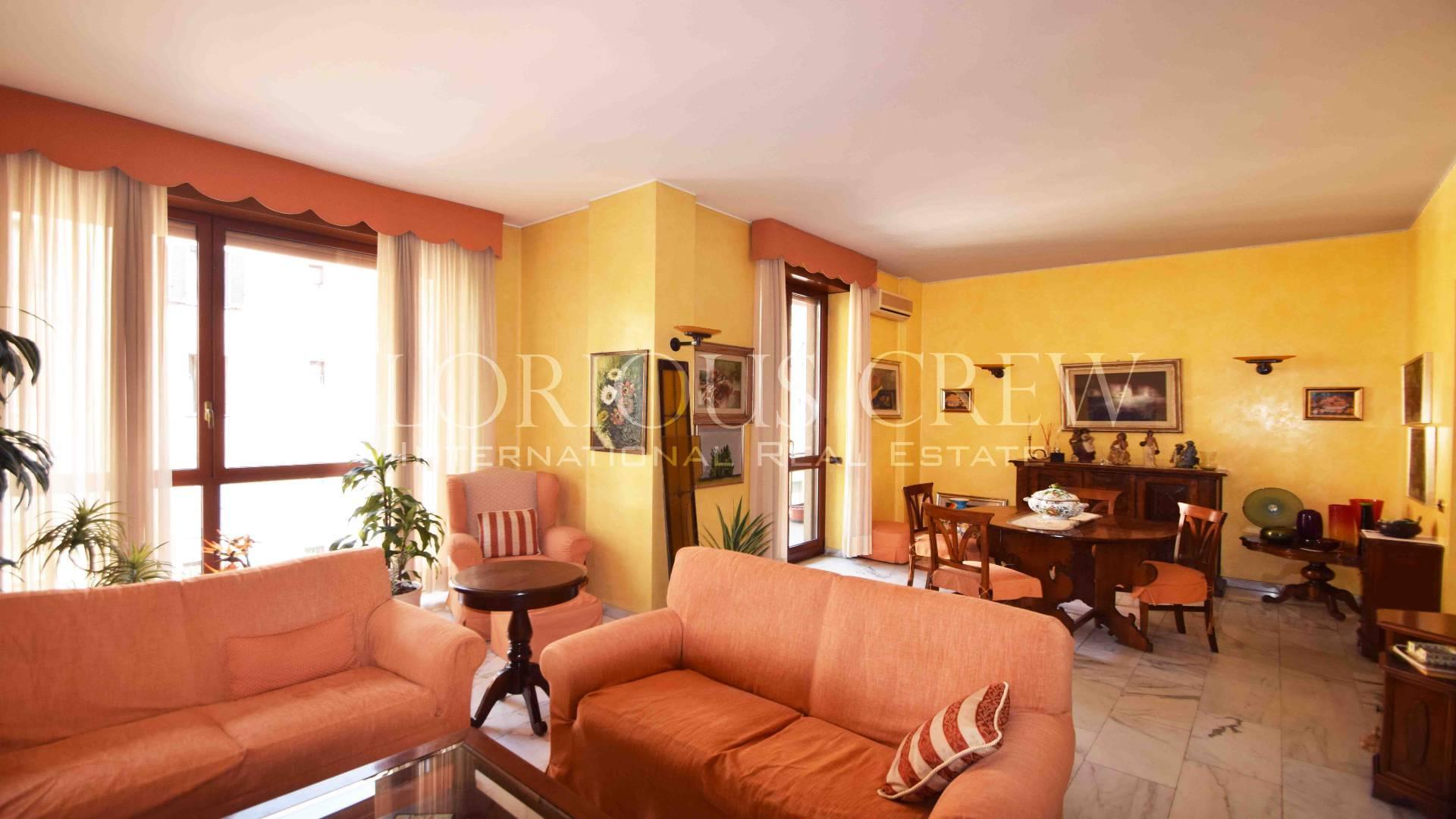 Appartamento in Vendita a Milano via viale bligny