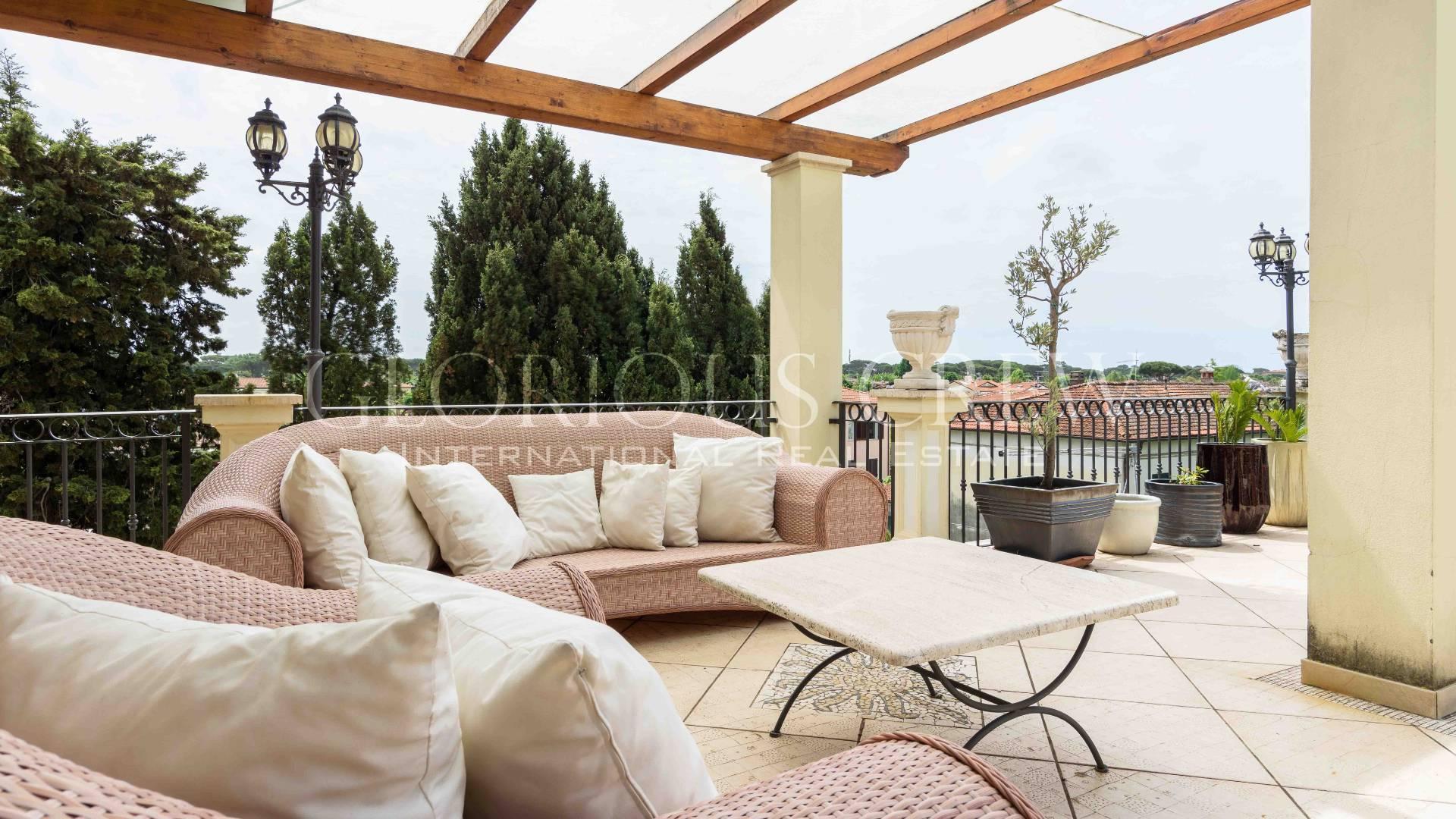 Appartamento in Vendita a Forte Dei Marmi: 4 locali, 155 mq - Foto 2