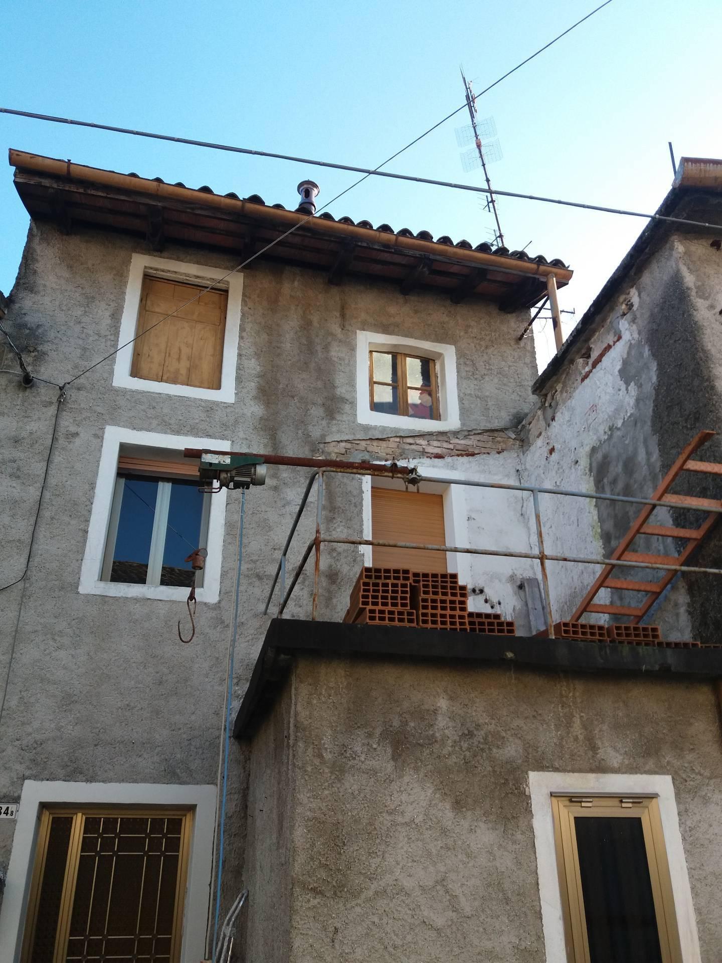 Rustico / Casale in vendita a Campoformido, 7 locali, prezzo € 31.000   CambioCasa.it