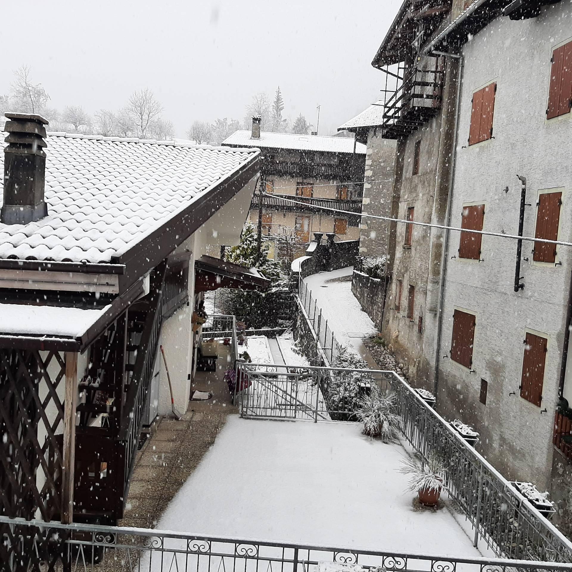 Appartamento in vendita a Ampezzo, 5 locali, prezzo € 77.000   CambioCasa.it
