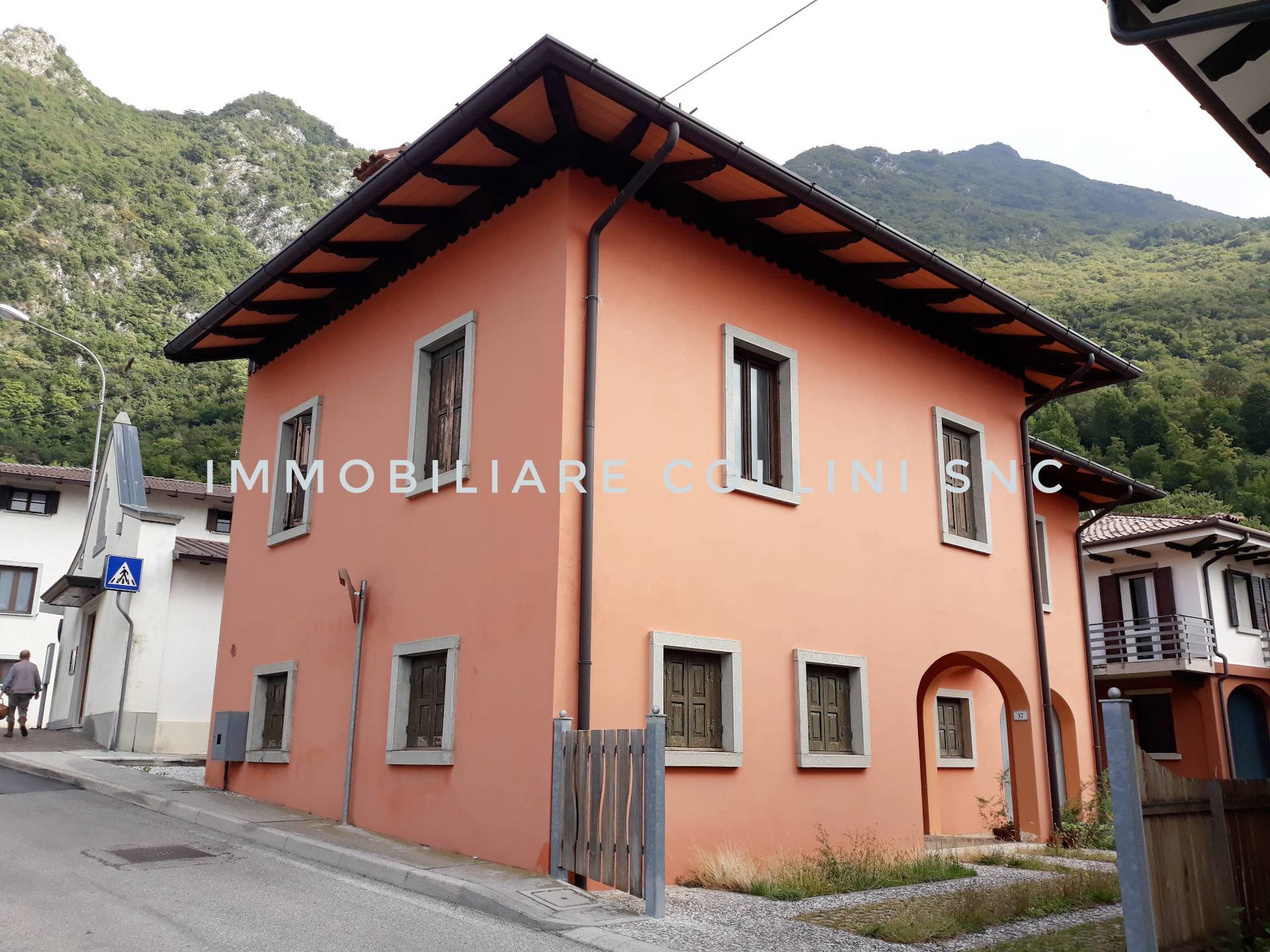 Casa indipendente in vendita a Gemona Del Friuli (UD)