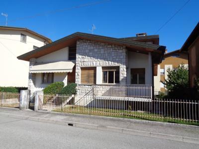 Villa in Vendita a Pasian di Prato