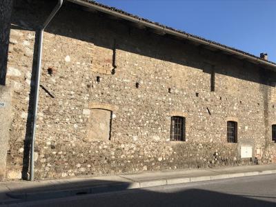 Rustico da ristrutturare in Vendita a Pasian di Prato