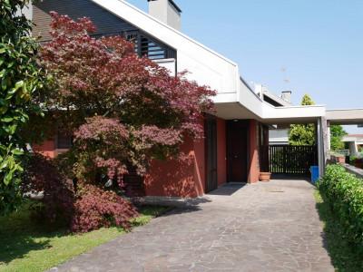 Villa in Vendita a Campoformido