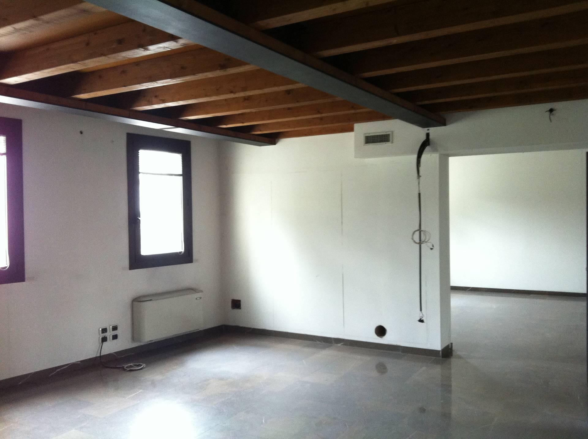 Ufficio / Studio in affitto a Treviso, 9999 locali, zona Località: FuoriMura, prezzo € 4.000   PortaleAgenzieImmobiliari.it